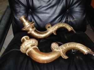Fascinante paire d'appliques en bois sculpté et doré, Gênes seconde moitié du XVIIIe siècle