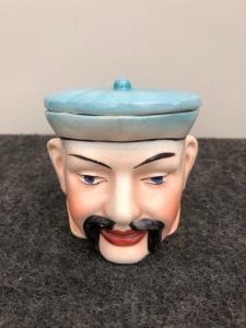 Tabatière en terre cuite représentant une tête de personnage chinois..France