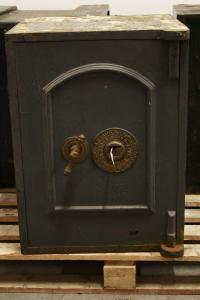 Anglais sûr avec une clé du XIXe siècle.