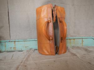 sac de médecin en cuir des années 70