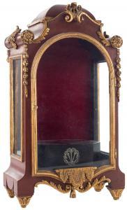 Petite niche sculptée en bois, polychromée et partiellement dorée. 19e s.