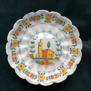 Élevé en majolique, fabrication de San Quirico d'Orcia (Sienne).