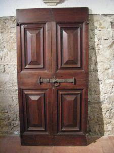"""Porte à carreaux """"pointe de diamant"""" du 17ème siècle"""
