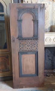 ptl545 - Porte néo-gothique en bois laqué, XIXe siècle, mesurant cm l 77 xh 192