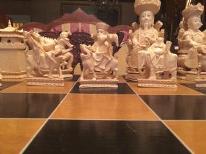 Échiquier en ivoire d'exception, fin du XIXe siècle, Chine
