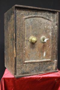 Ouverture du coffre-fort de couleur bleu clair anglais d'origine