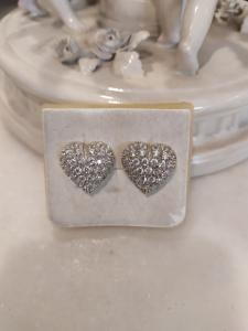 Boucles d'oreilles en or blanc 18 kt avec zircons en forme de cœur, 50/60 ans